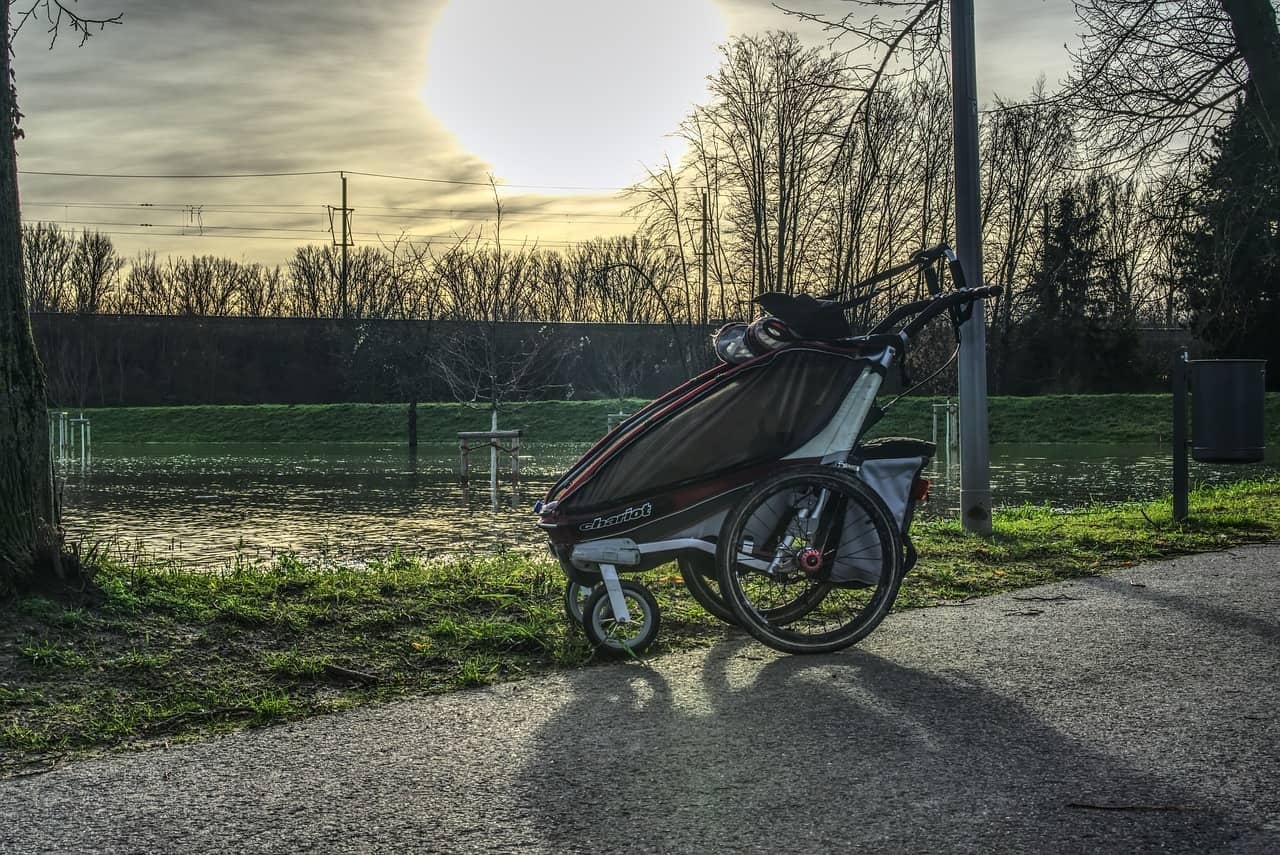 difference between pushchair and stroller